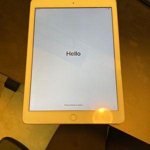 iPad 6th Generation WiFi + Cellular for Sale in Chandler, AZ
