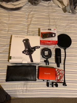 Audio-technica AT2035 microphone w/ Scarlett Solo interface + pop filter for Sale in Providence, RI
