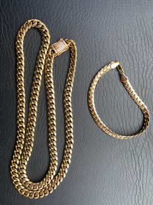 18K Gold Miami Cuban Chain / 14k Miami Cuban Bracelet Set (Very Nice) for Sale in Commerce City, CO