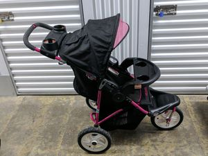 Hello Kitty Stroller $40 for Sale in Severn, MD