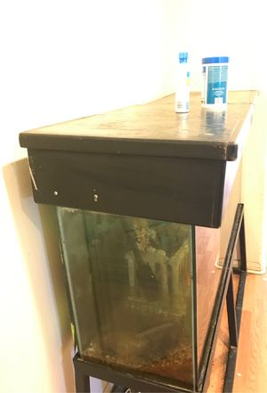 Fish tank for Sale in Desert Hot Springs, CA