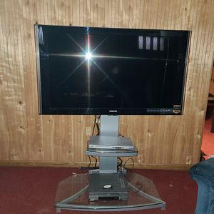 Samsung 53 Inch TV And Stand for Sale in Cleveland, OH