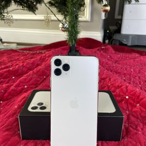 iPhone 11 Pro Max for Sale in Manassas, VA
