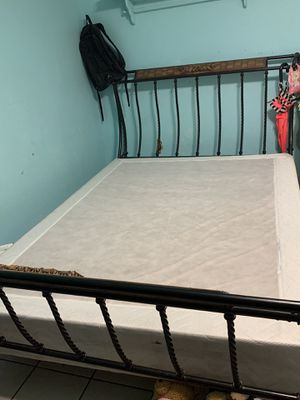 QUEEN BED FRAME FREE for Sale in Peoria, AZ