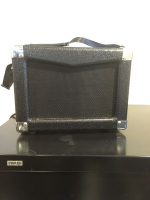 Hollinger Bass Guitar Amplifier BA-15 Compact Travel with Strap Electric Amp for Sale in Staten Island, NY