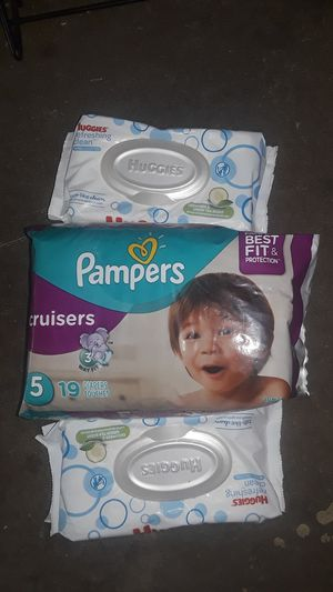 Pampers size 5 and wipes for Sale in Pomona, CA
