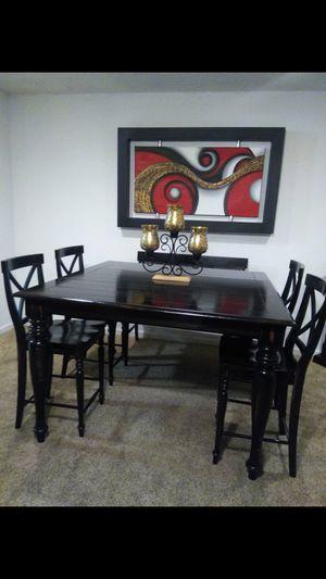 Dining table with 4 chairs and bench excellent condition Comedor de 4 sillas y banco para dos muy buenas condiciones for Sale in Denver, CO
