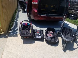 Baby tres stroller 1-3 Wheel travel system for Sale in Riverdale, MD