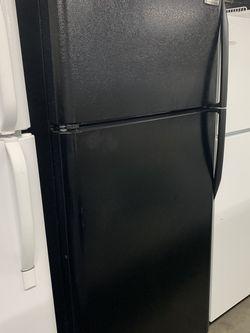 Frigidaire Black Refrigerator for Sale in Fontana,  CA