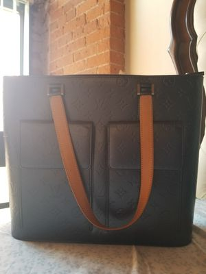 Authentic Louis Vuitton bag for Sale in Manchester, CT