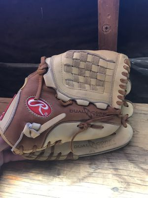12 inch Rawlings glove Excellent condition for Sale in Glendora, CA