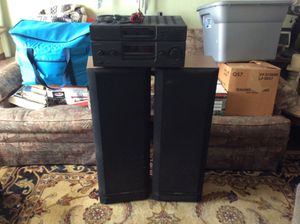 Kenwood AM-FM Stereo Receiver with two large speakers for Sale in San Diego, CA