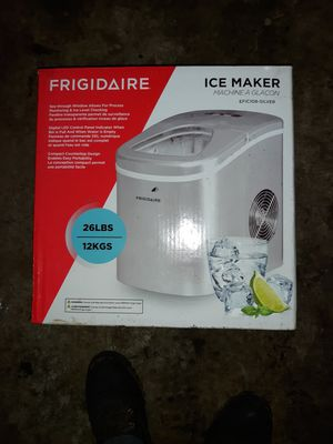 Frigidaire portable ice maker $70 for Sale in Gresham, OR