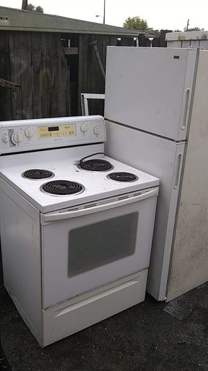 Stove and refrigerator for Sale in Tampa, FL