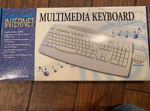 Keyboard for Sale in Oswego, IL