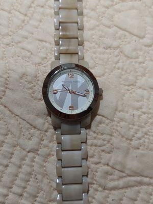 Reloj Mk lo use 2 veces for Sale in Long Beach, CA