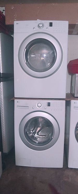 Whirlpool Front Load Washer & Dryer for Sale in Bakersfield, CA