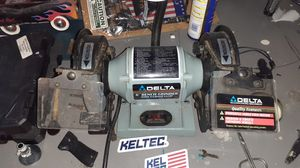Delta 6 inch bench grinder for Sale in Rochester, MN