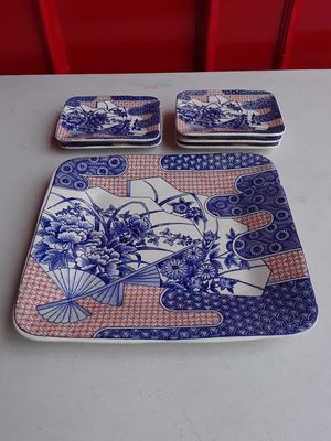 Set of plates. for Sale in Los Angeles, CA