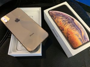 iPhone XS MAX for Sale in Cuyahoga Falls, OH