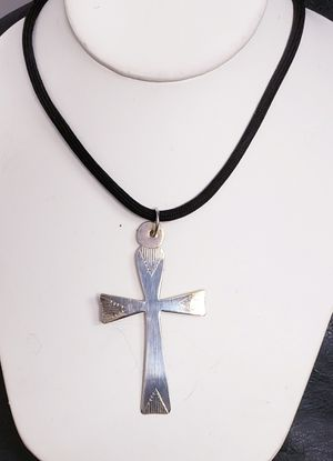 """LARGE VINTAGE """"J CURTIS"""" STERLING SILVER CROSS PENDANT for Sale in New York, NY"""