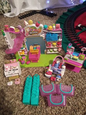 Shopkins supermarket playset and extras for Sale in St. Cloud, FL