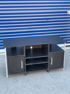 Tv table media stand black DELIVERY available for Sale in San Francisco, CA