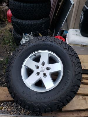BF Goodrich All Terrain T/A KO2 LT 315/70R17 Jeep Wrangler Tires with rims for Sale in Roselle, IL
