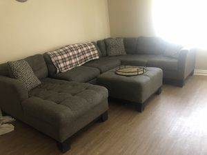 Grey sectional w. Ottoman couch for Sale in El Cajon, CA