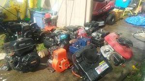 Lot Of Small Engines Honda, Briggs&Stratton, Kohler, Tecumseh Also Craftsman Edger and Mantis Tiller(Some run some don't have all the parts ) for Sale in Tacoma, WA
