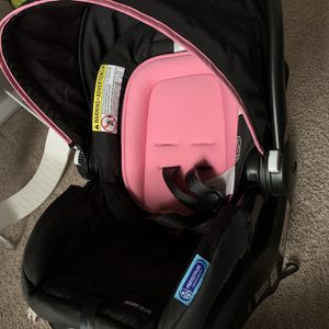 Brand New Car seat (Girl) for Sale in Jonesboro, GA