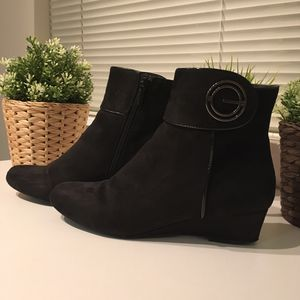 Women Winter Suede Ankle Boots for Sale in Falls Church, VA