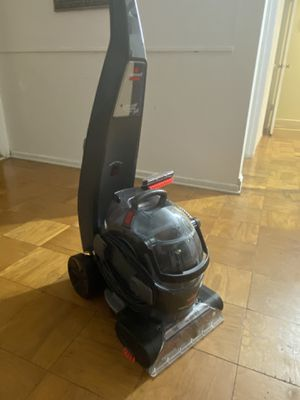 Bissell and Dyson vacuum cleaner. for Sale in Fullerton, CA