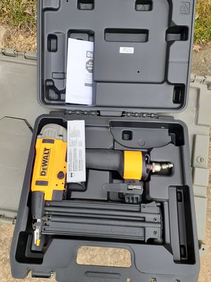 DeWalt finishing nail compressor gun for Sale in Maple Heights, OH