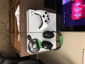 Xbox One with Accessories and Games for Sale in Hurlburt Field, FL