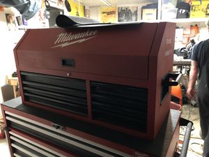 Milwaukee tool box (top box only ) for Sale in Los Angeles, CA