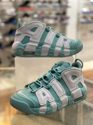 Island Green Uptempo Size 6 for Sale in Silver Spring, MD