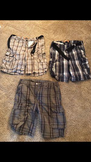 Men's cargo shorts for Sale in East Windsor, NJ