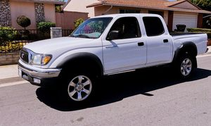 Clean drives out nice - Toyota TACOMA 03 for Sale in Austin, TX