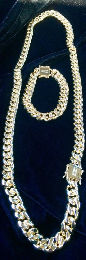 CUBAN LINK 18K GOLD NEW CHAIN MADE IN ITALY ⭐️ BLACK FRIDAY EXTENDED ALL WEEK SALE!!!!! ⭐️ for Sale in Riviera Beach, FL