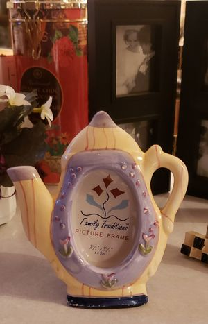 Tea kettle picture frame on easel 6x6. Great bundle item... shelf decor for Sale in St. Louis, MO