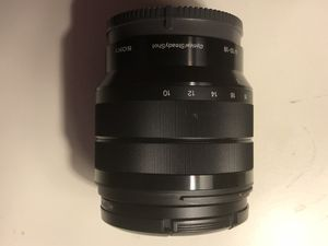 Sony 10-18 f/4 OSS Wise Angle E-Mount Lens for Sony APS-C Cameras for Sale in Chicago, IL