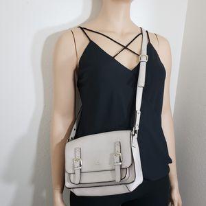 Kate Spade Essex SCOUT Cambridge Crossbody Messenger bag for Sale in Las Vegas, NV
