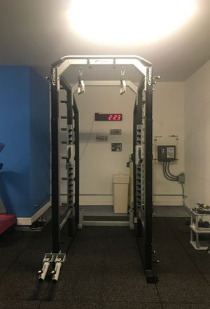 PRO SERIES POWER CAGE 8' By Legend Fitness for Sale in Odessa, FL