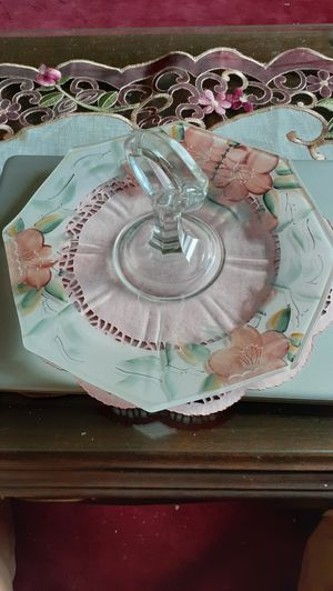 Vintage hand painted cake platter for Sale in Kingsley, PA