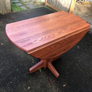"Round Drop Leaf Dining Kitchen Table 42"" Solid Wood for Sale in Milwaukie, OR"