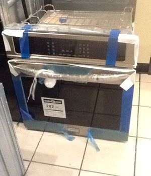 New open box frigidaire single electric wall oven FGEW2765PF for Sale in Hawthorne, CA