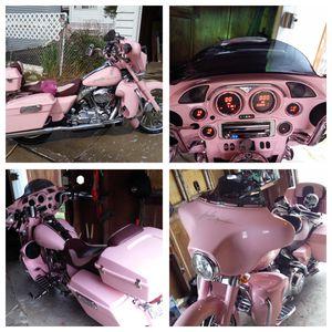 2007 pink Harley Davidson street glide for Sale in Chicago, IL