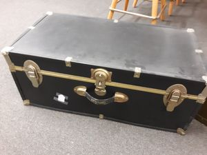 Vtg trunks/luggage..31x17x13 tall.. $40 each.... for Sale in Joliet, IL
