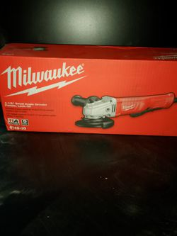 Milwaukee 4.5 Inch Small Angle Grinder for Sale in Beaverton,  OR